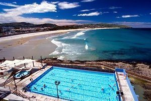 St Clair beach in Dunedin with salt water pool in foreground